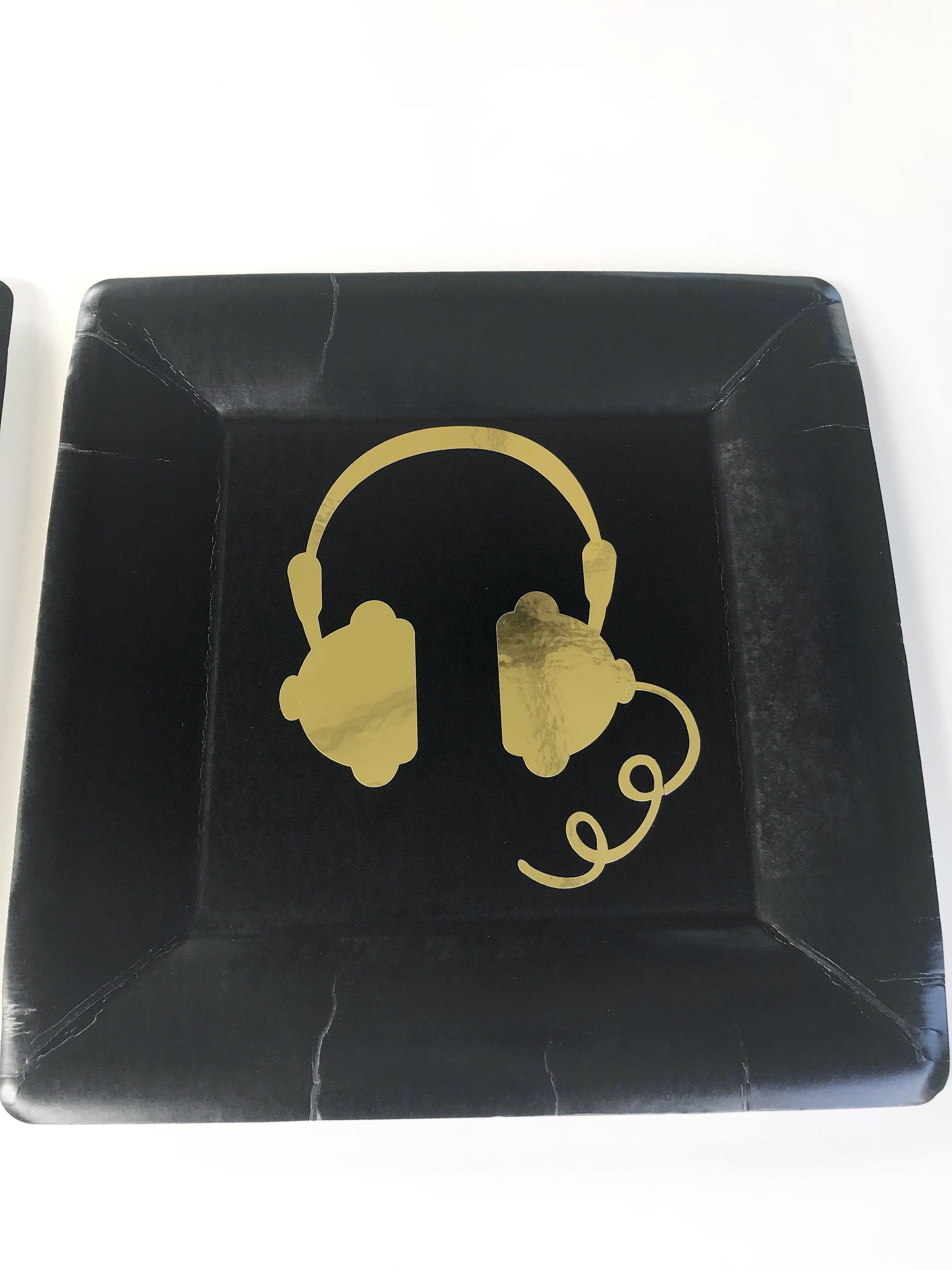 Metallic foil headphones paper plates in black