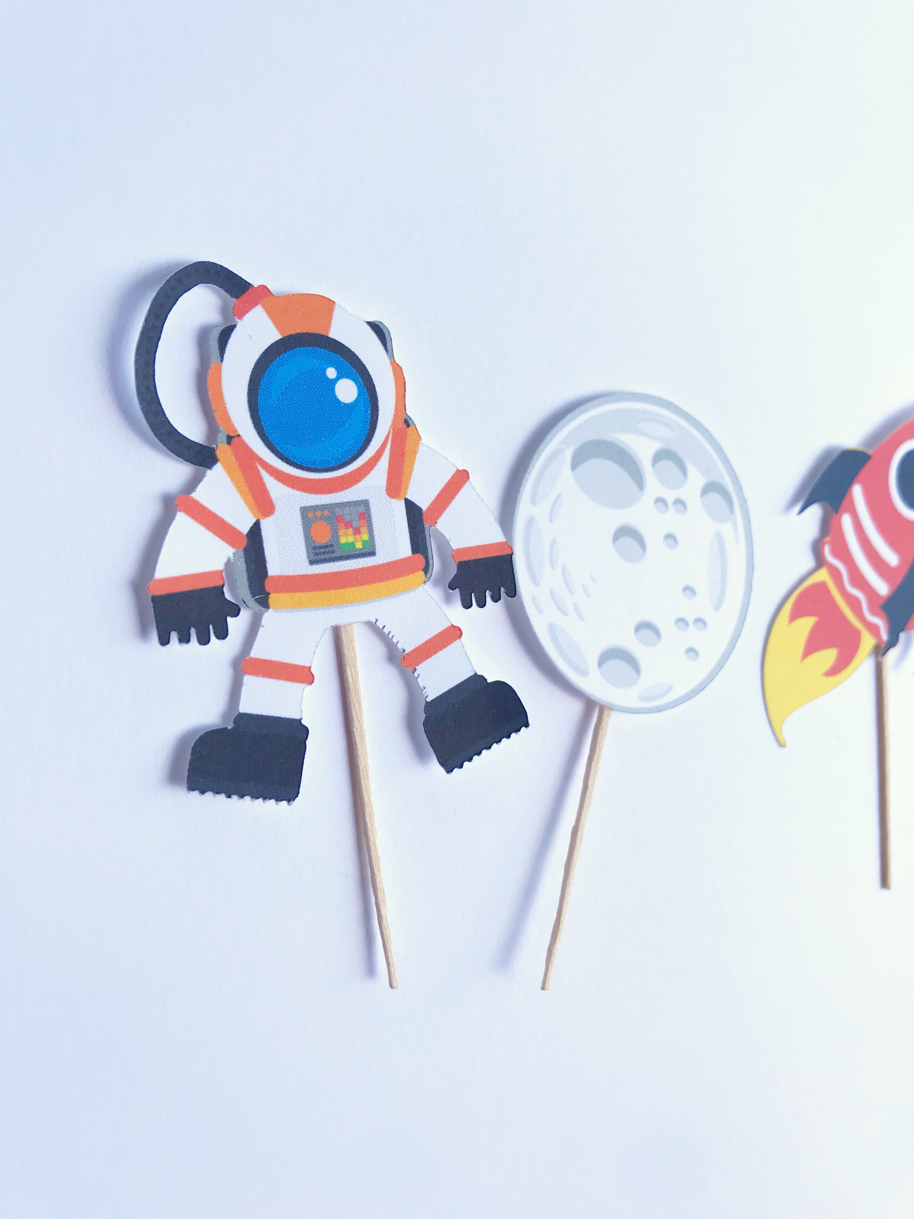 spaceship cupcake toppers