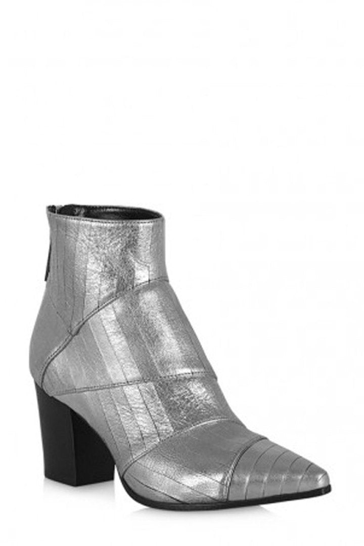 La-Canadienne-Lilac-Silver-Leather-Boots