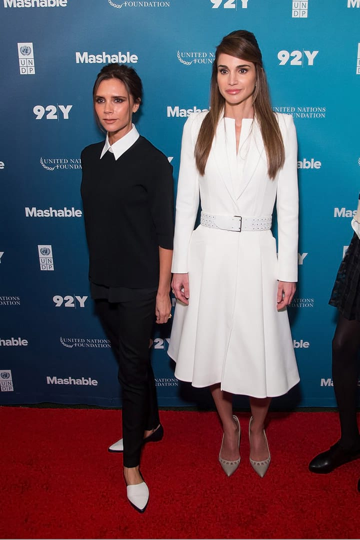 Queen-Rania-of-Jordan-with-Victoria-Beckham