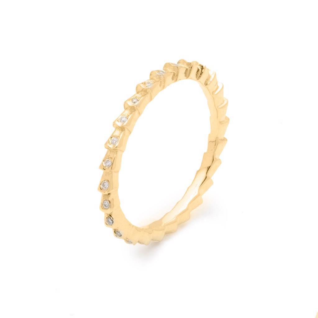 Isiro Gold Vertebrae Ring With Diamonds