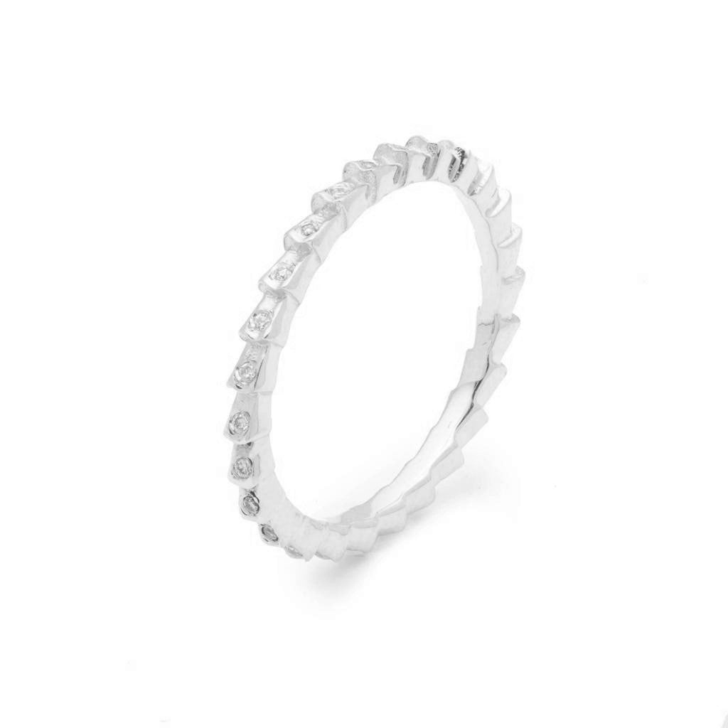 Dalasini Isiro Sterling Silver Vertebrae 2MM Ring With Diamonds Angle