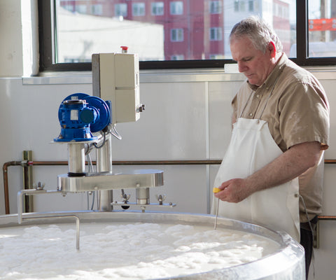 Cheesemaker Paul Obringer monitoring acidification.