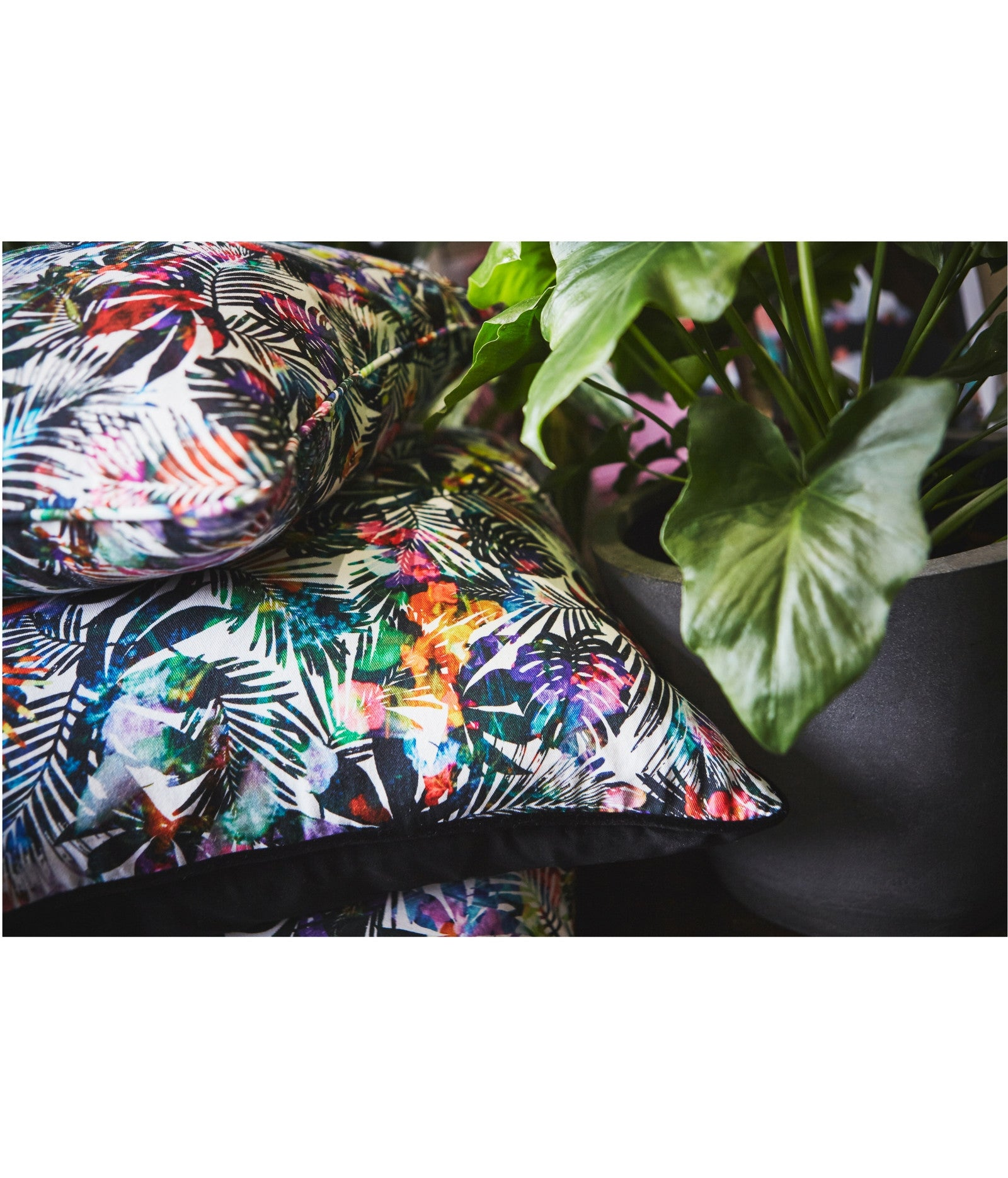 Tulum Leaves Satin Cushion