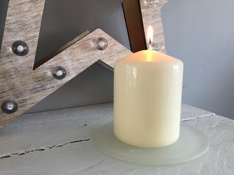 Glass pillar candle plate
