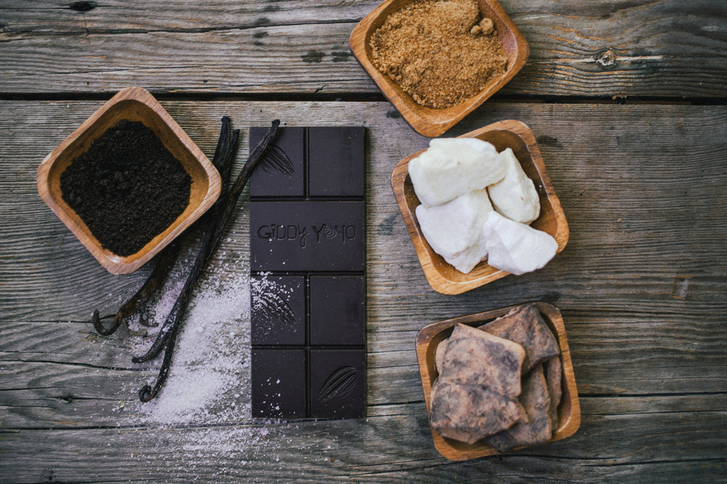 Giddy Yoyo Vanilla Salt 82% Dark Chocolate Bar - 62g