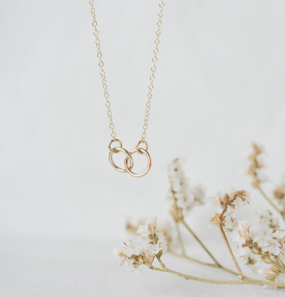Wild Fawn Connected circle necklace