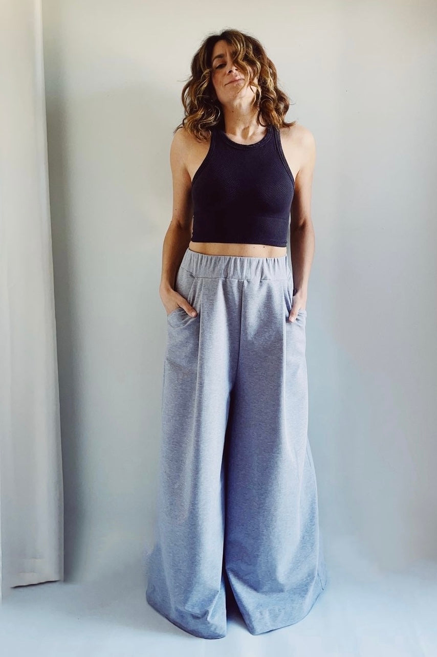 Wide-leg Sweatpant