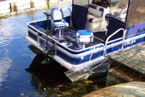 Finding the Right Horsepower For Your Boat | Pontoon-Depot