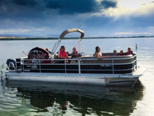 5 Essential Tips for Trailering a Pontoon Boat | Pontoon-Depot
