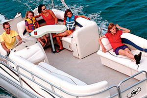 Wise Deluxe Pontoon Seating Series vs. Premier Pontoon Seating Series