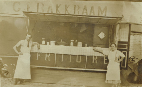 """Harelbeke. Friture"", Gebakkraam, Frietkotcultuur (photo ancienne)"