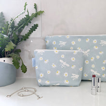 Load image into Gallery viewer, Daisy & Bee Makeup Bag