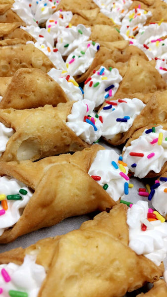 .Pony Cannolis