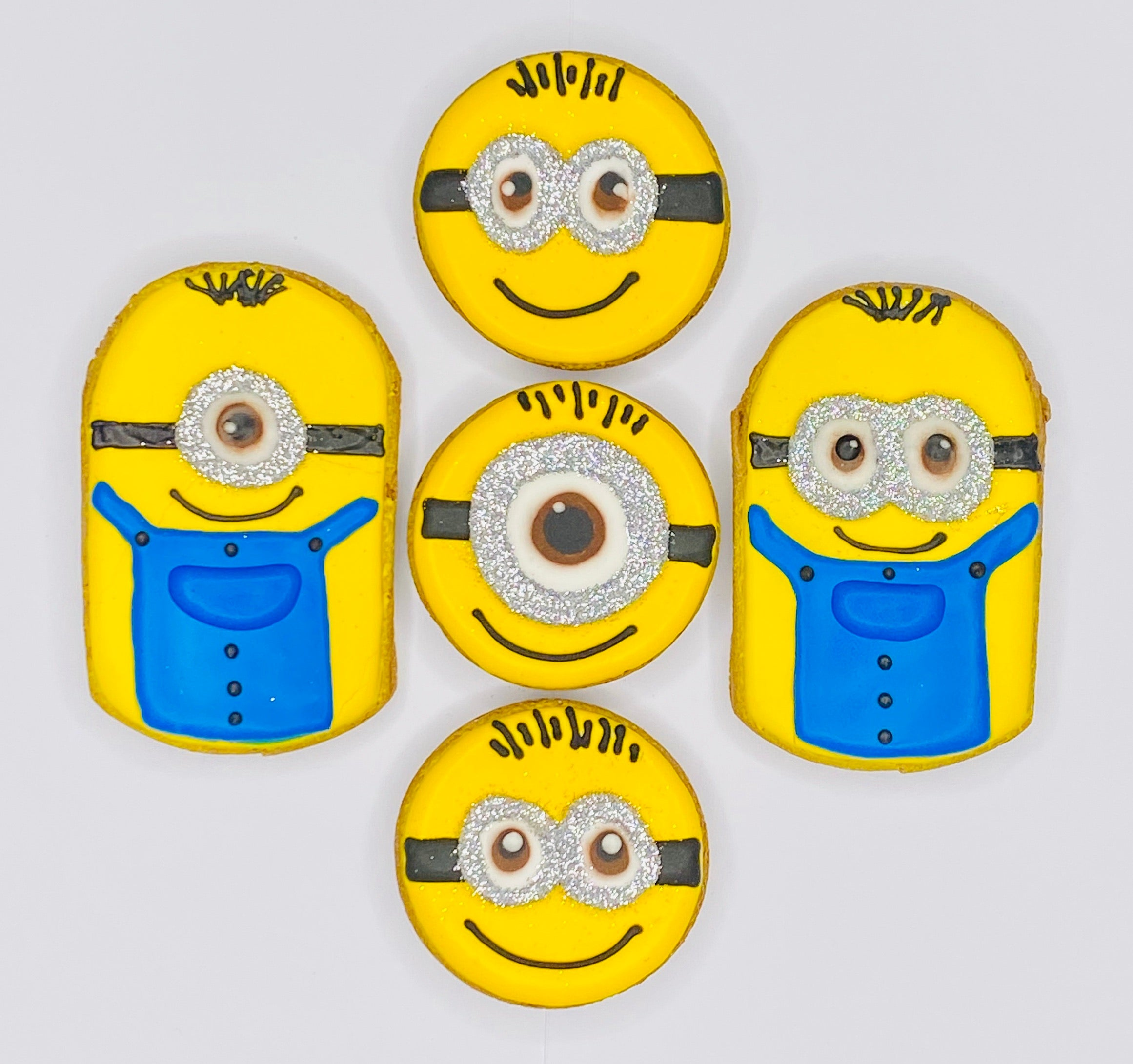 MINIONS (Online Exclusive)