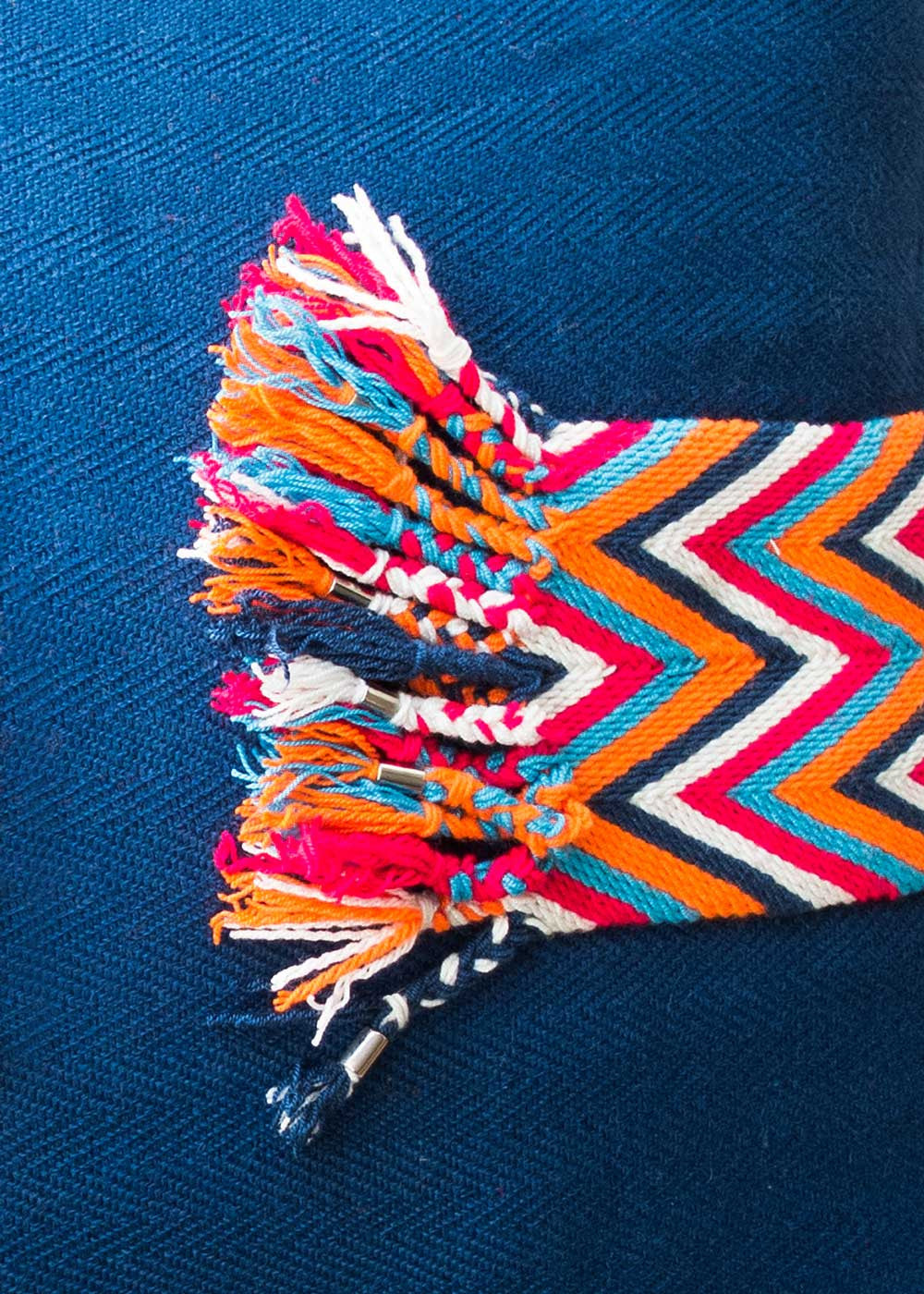 Hilo Sagrado Wayuu Belt Pillow