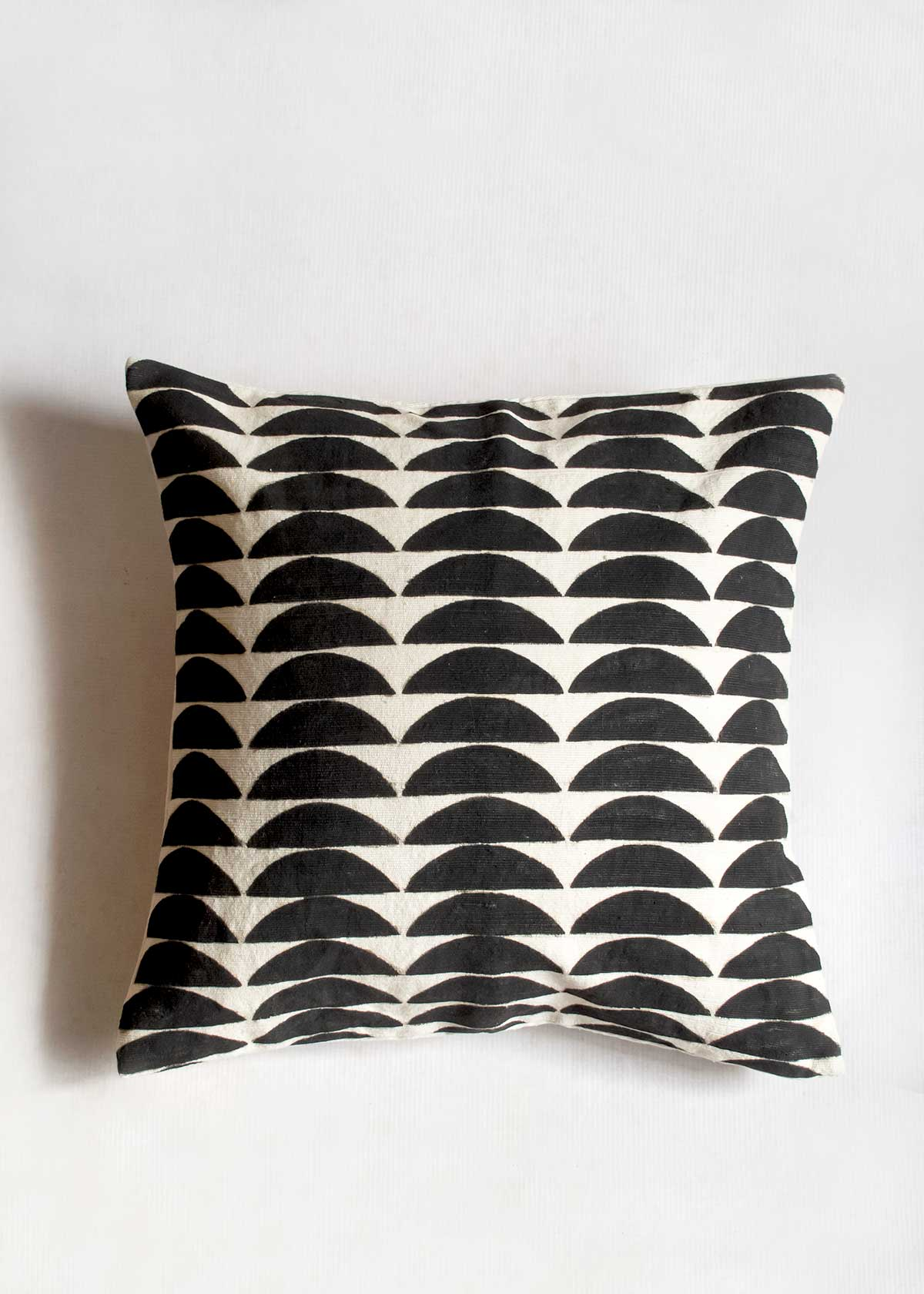 "Mud Cloth 18"" Pillow, Dunes"