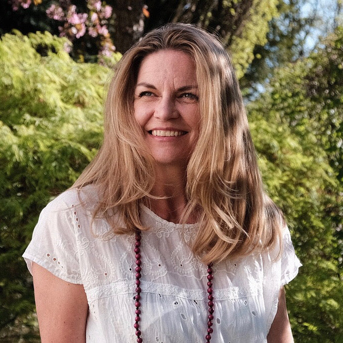 Meditation Class 5th DOOR: LOVE - We are all one * Live Session with E-RYT 500 & Meditation Teacher Bettina Noack* June 4th, 2020 @ 1.15 pm EST @ 10.15 am PST