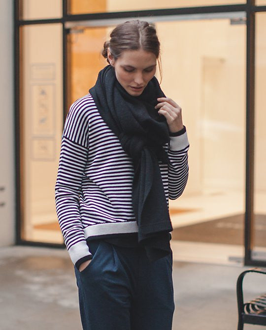 Yogi Crew Sweater *Stripes