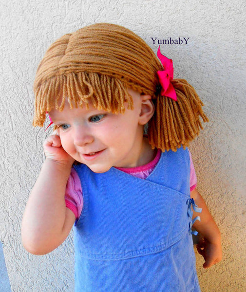 Pigtail hat - Short light brown
