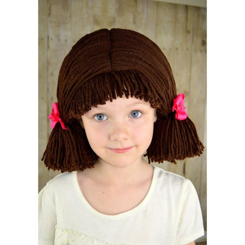 Pigtail hat - Short dark brown pigtails