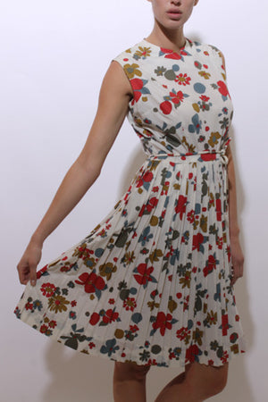 vintage 1950's 50's deadstock vintage floral print cotton pleated sleeveless sun dress midi M-L