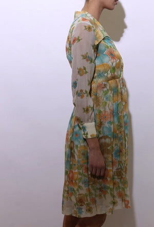vintage 1970's 70's shirtdress cream floral print pointed collar shirt dress flowers pleated S-M