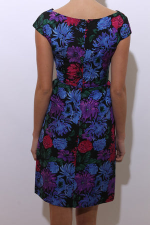 vintage 1950's 50's fitted black dress floral print pink purple blue midi gathered midcentury M-L