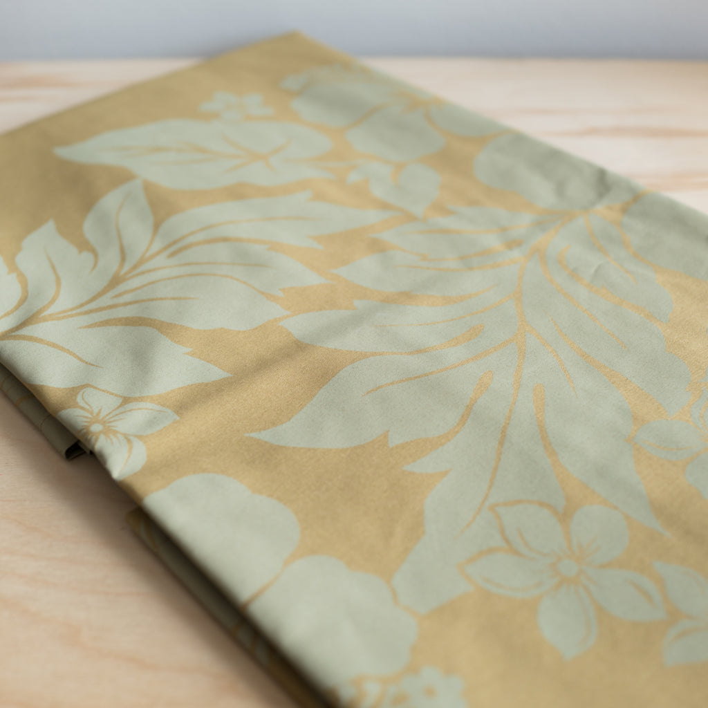 Lūʻau Tablecover