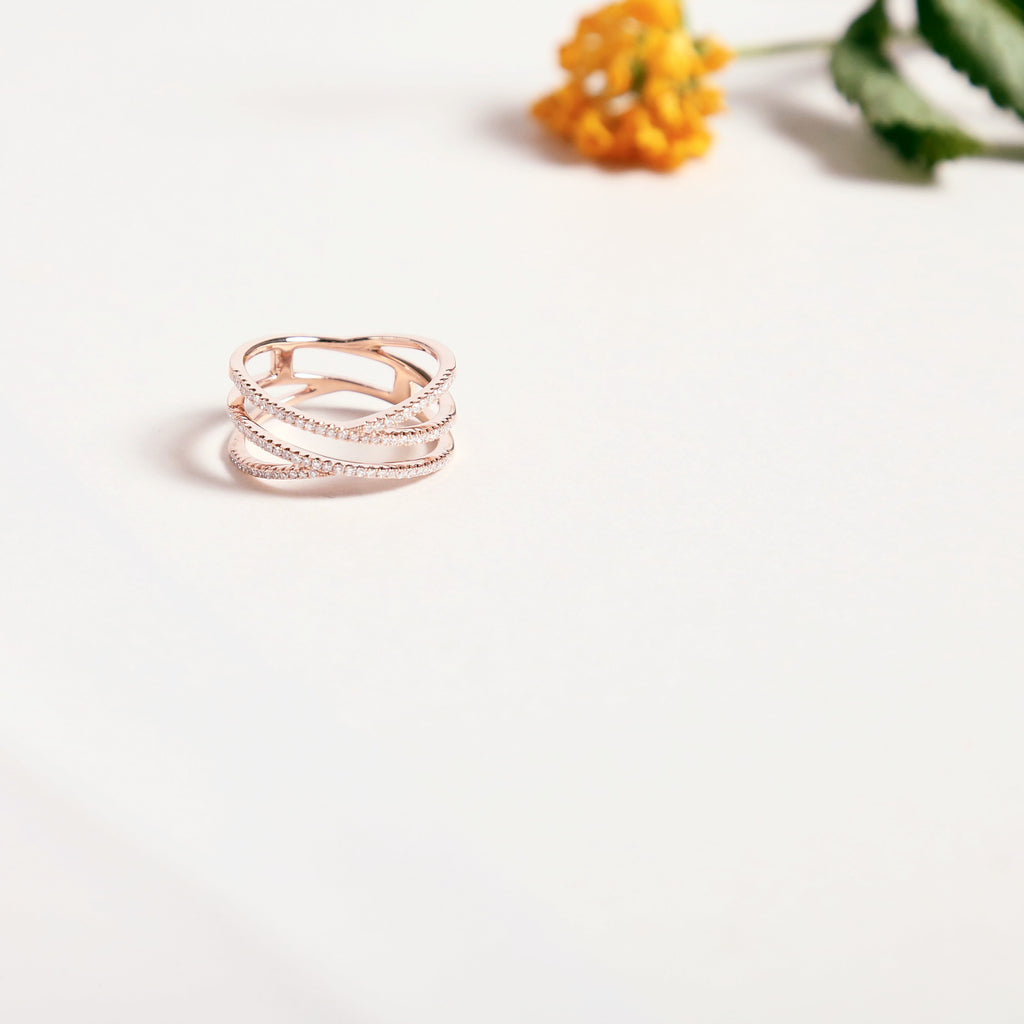 Diamonds Swirl Ring
