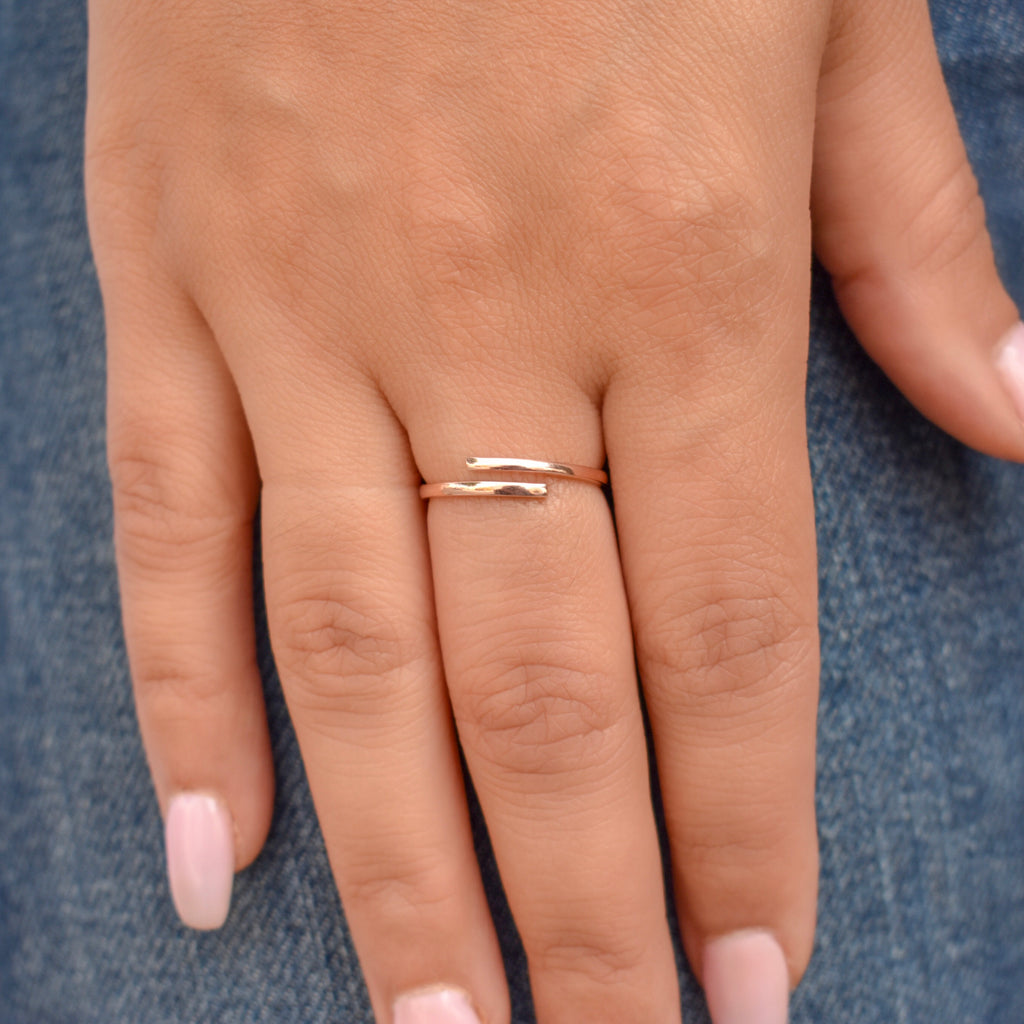 10k Solid Gold Open Twirl Ring