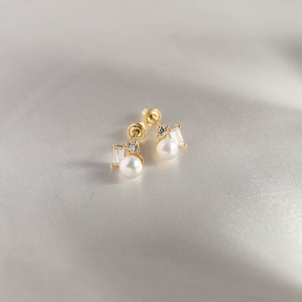 10k Solid Gold Pearl w/ CZ Cluster Studs
