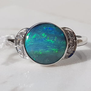 Beautiful Natural Australian Opal with Diamonds 18k White Gold Ring - Size 7.5