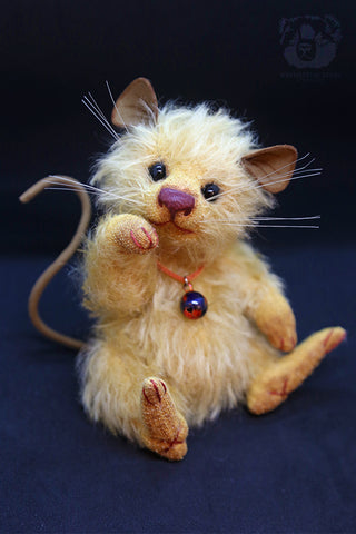 Artist Mouse, Chips by Wayneston Bears