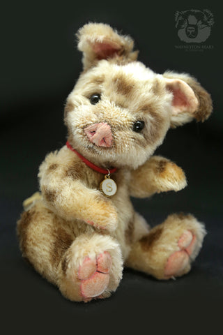 Artist Piglet, Spotty by Wayneston Bears