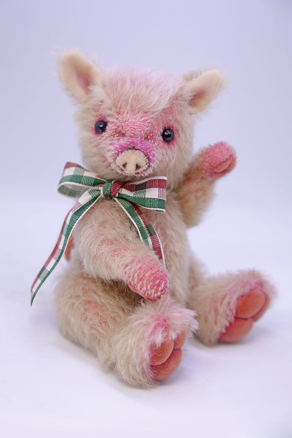 Intermediate (2-Day Workshop) Suzy Piglet by Wayneston Bears