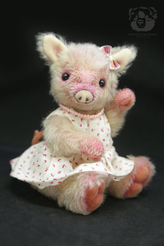 Artist Piglet, Suzy by Wayneston Bears