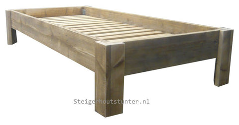 Bed Basic steigerhout