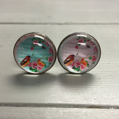 Drawer knobs, glass bird with flowers (pink or blue)