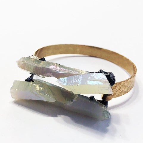 White aura quartz druzy bracelet with hammered gold band