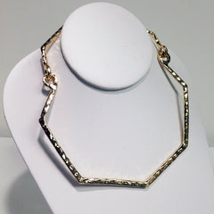 Hammered gold plated choker in hexagon with adjustable closure