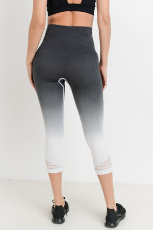 Highwaist Seamless Dip-Dye Gradient Ribbed Perforated Capri Leggings
