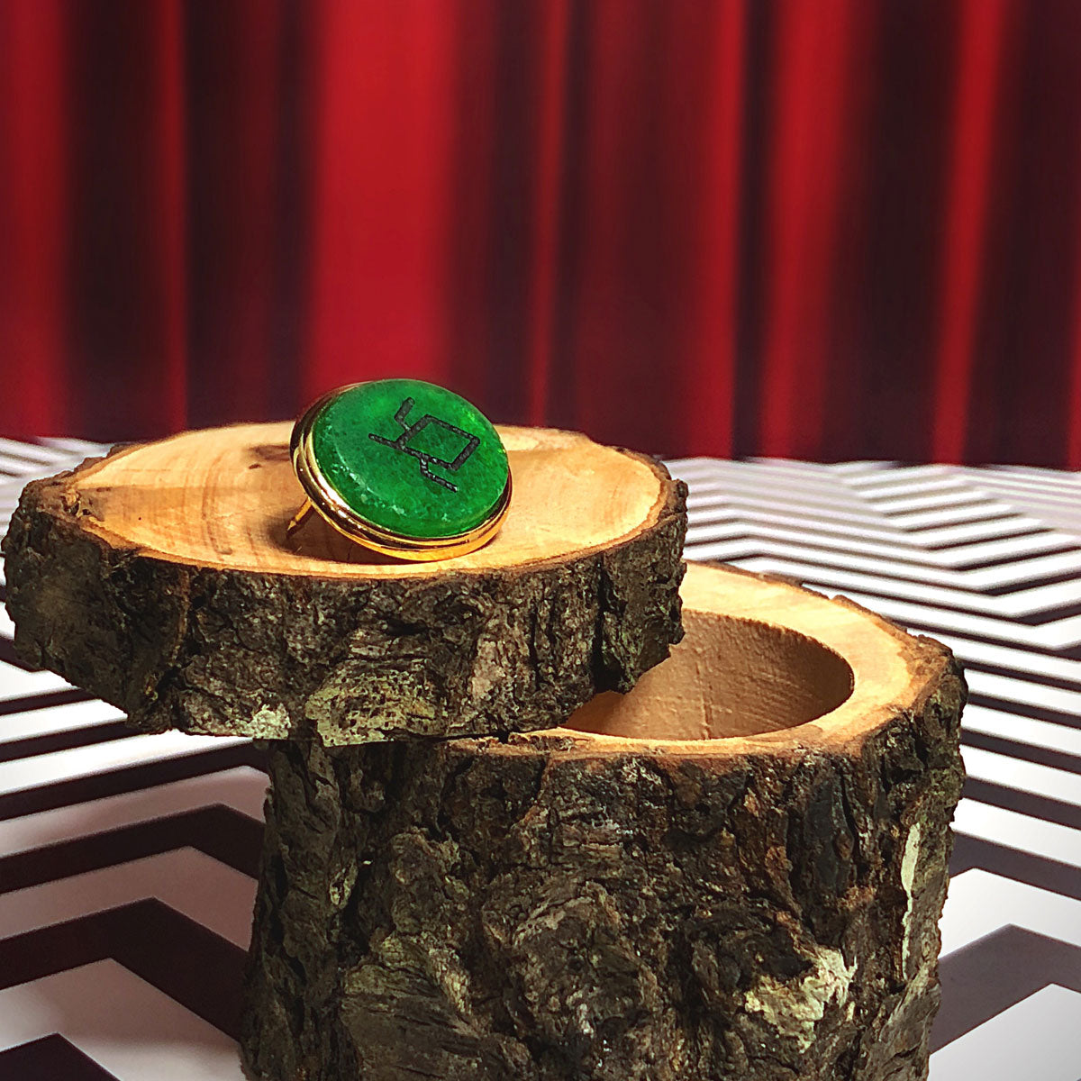 "Twin Peaks - ""The Ring"" Pin"