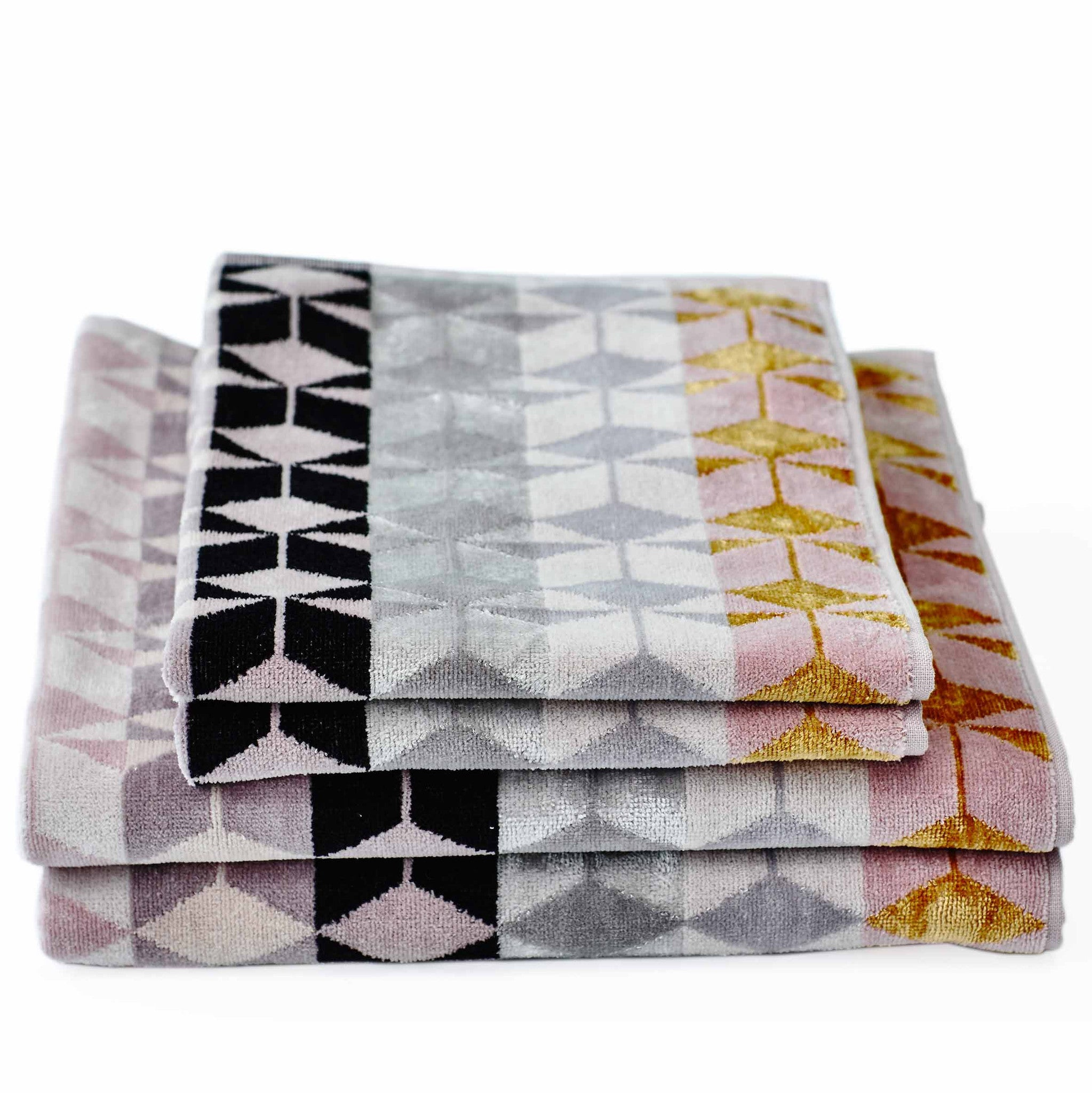Fidelis Bath Towel and Vesta Rug Pack