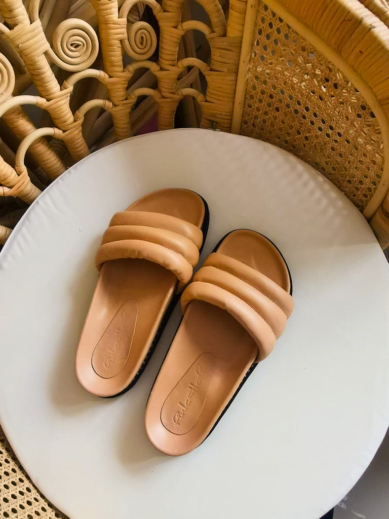 Verona Comfort Leather Slide Sandal in Tan