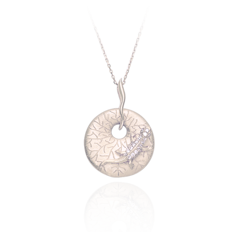 Gecko on Imprinted Disc Pendant
