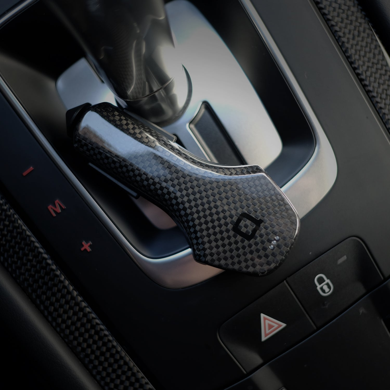 ZUS Smart Car Charger Carbon Fiber Edition | nonda | Today's