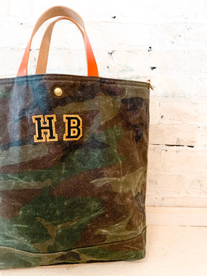 harry junior feed bag | camo/orange