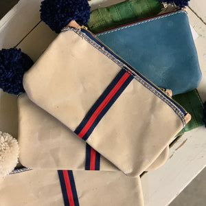 clutch | natural w/ navy + red ribbon