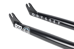 "24"" R32 Forks (Rust Proof Black)"
